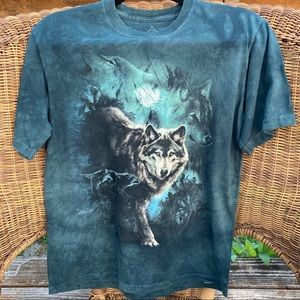 The Mountain Wolves XL Youth T-Shirt EUC